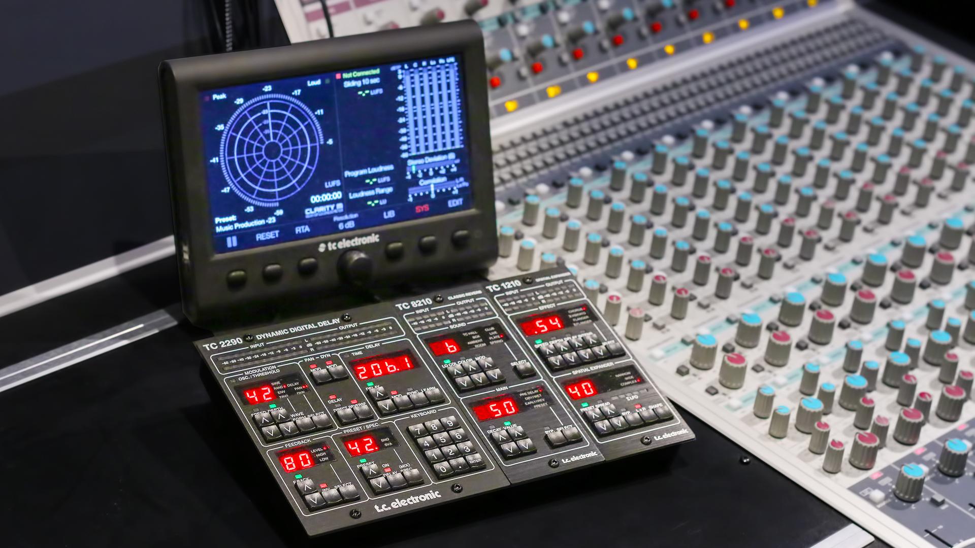 Du nouveau dans les studios d'Eanov School - Tc Electronic (reverb, delay et chorus)